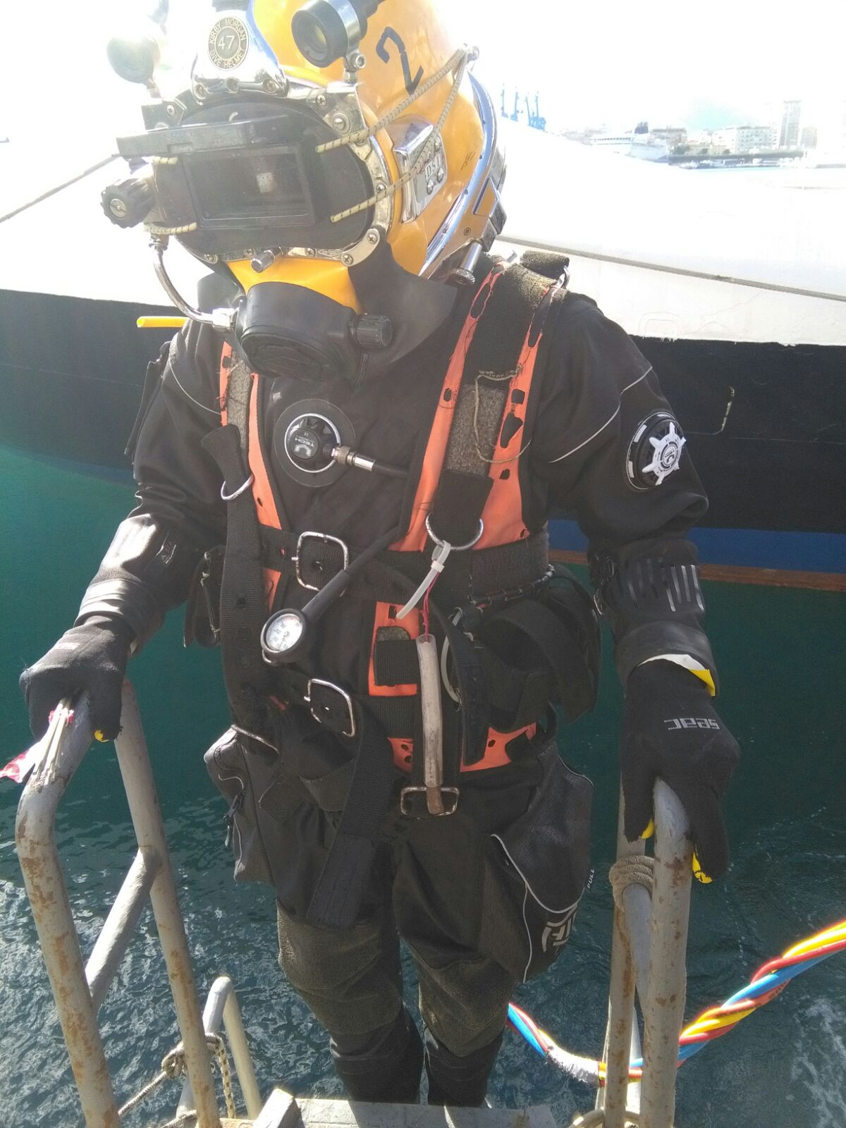 Mute Stagne DEEP SEA EXPLORER by GRAVITY ZERO